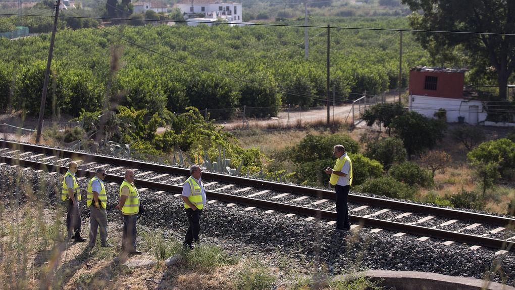 马拉加失踪三岁女童误卧铁轨身亡