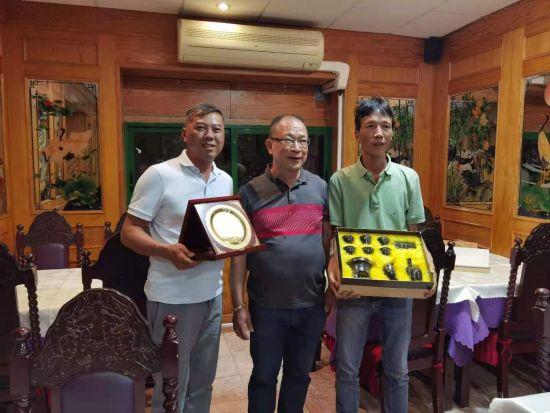 西班牙妈祖文化董事会和Lanzarote华人爱心公益基金会合影
