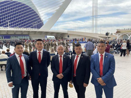 西班牙华侨华人商业联合会陈慧会长及同伴